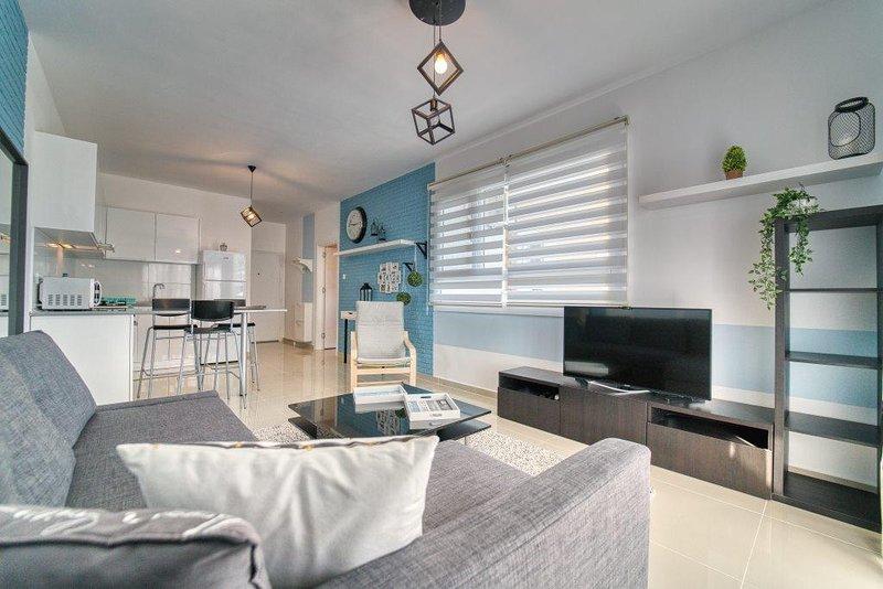 Designed one bedroom apartment Caesar Resort, holiday rental in Trikomo