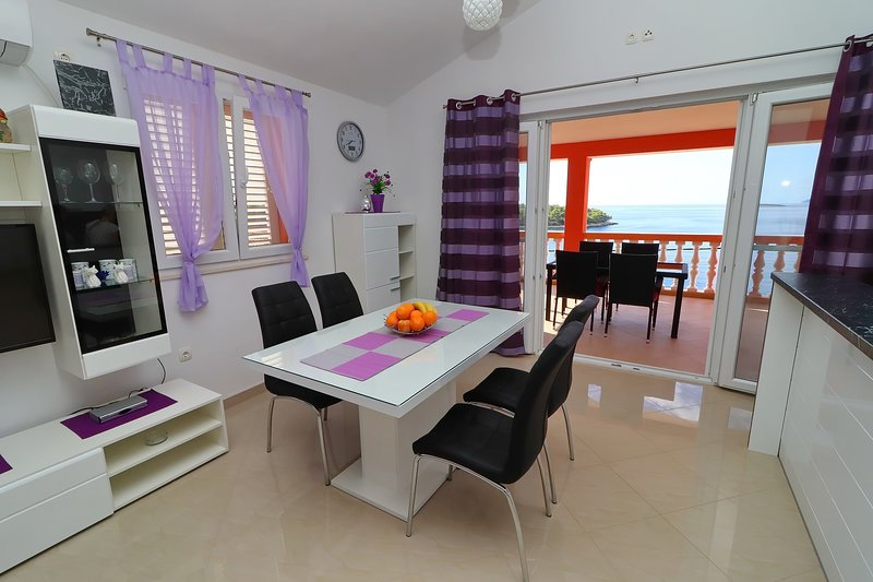 Holiday Home Adriatic View - Two Bedroom Apartment with Terrace and Sea View, holiday rental in Potirna
