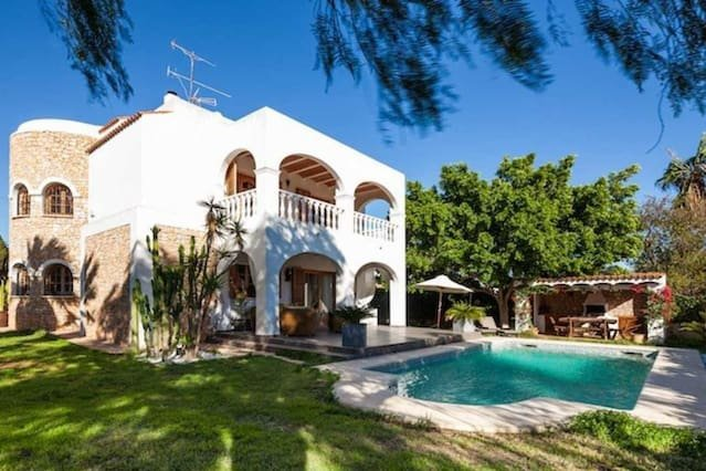 Amazing house with swimming-pool, vacation rental in Es Canar