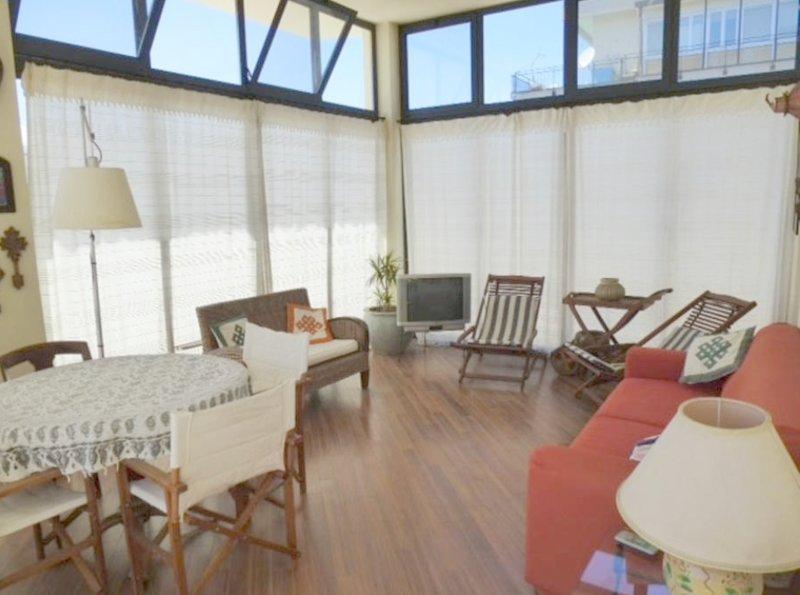 Amazing apartment with terrace, alquiler vacacional en Landro