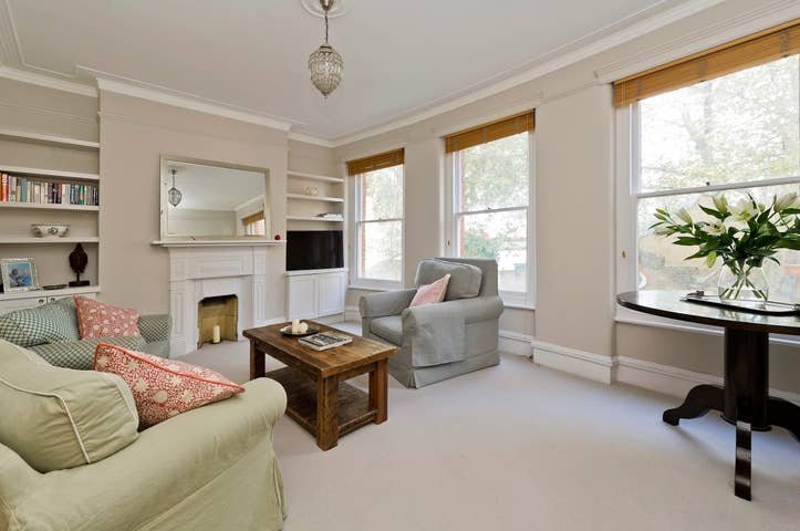 Charming 2-Bed Fulham Apartment, 5 Mins from Tube, vacation rental in Teddington