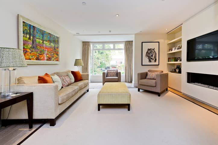 Long Stay Discounts - Tasteful 4Bed, Holland Park, holiday rental in Willesden