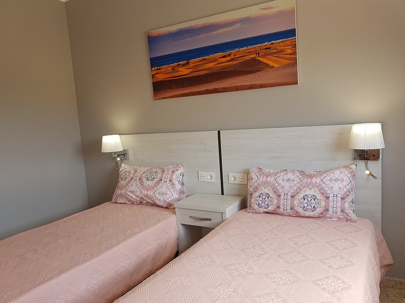 Amazing apt with swimming-pool, holiday rental in Monte Leon