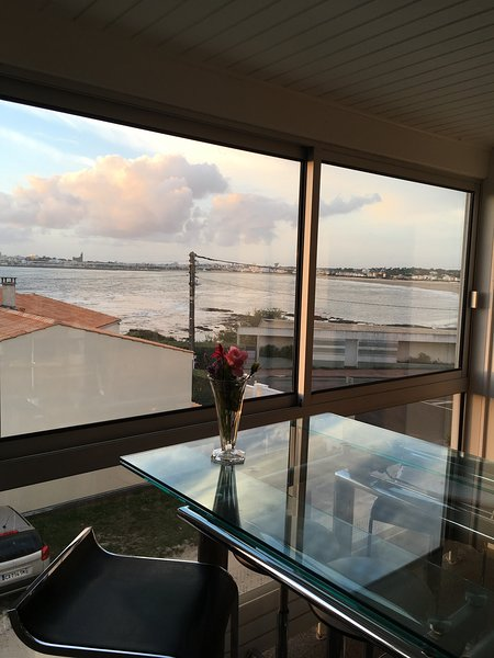 Amazing apt with sea view & Wifi, vacation rental in Saint-Georges-de-Didonne