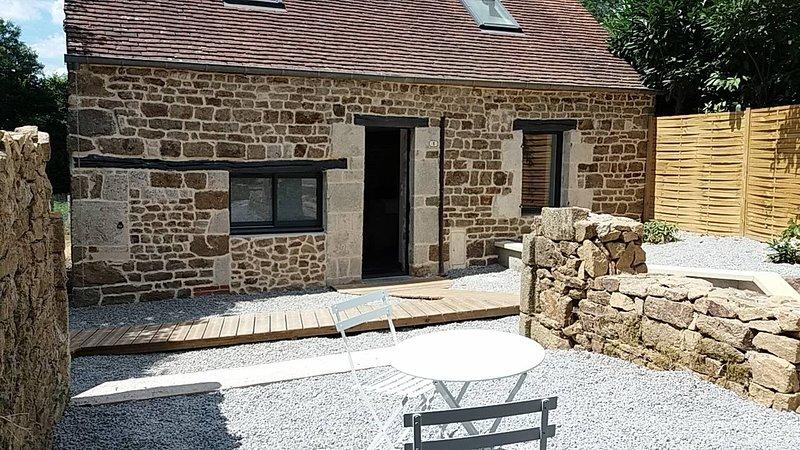 Gite pouvant accueillir jusqu'à 6 personnes au coeur de la Suisse Normande, holiday rental in Putanges-le-Lac