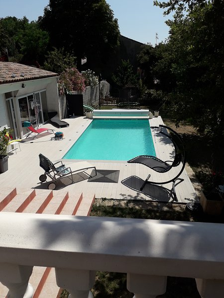Nice apartment with shared pool, location de vacances à Les Granges-Gontardes