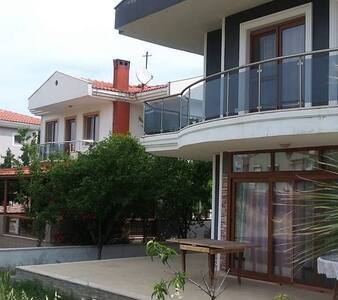 VİLLA HOSTEL, location de vacances à Dikili