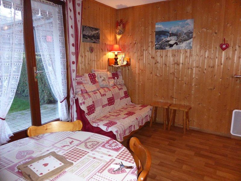 ¡Siéntese y relájese en nuestro acogedor y cálido apartamento en Les Houches!