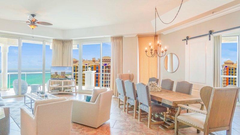 ¡Este hermoso condominio de 3 dormitorios, ático de 2034 pies cuadrados, es un lugar que nunca querrá abandonar!
