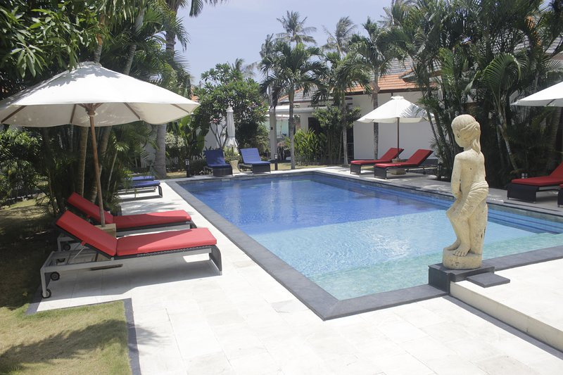 Explorer Lombok from The Shared Pool For 2, holiday rental in Senggigi