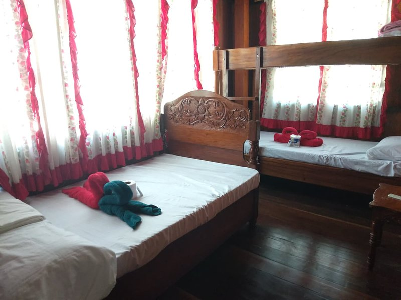 CS Homestay - R2, holiday rental in Coron