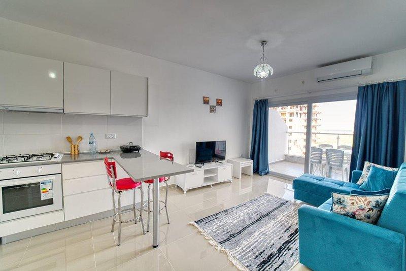 Standard One Bedroom Apartment at Caesar Resort & SPA, holiday rental in Trikomo