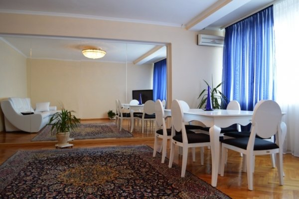 4 rooms apartment Kiev Opera view, vacation rental in Irpin