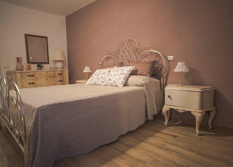 Livia's charming house, casa vacanza nel centro storico, holiday rental in Trevignano Romano