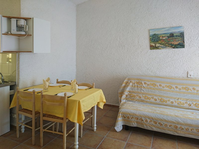 Nice apt with sea view & terrace, vacation rental in Favone