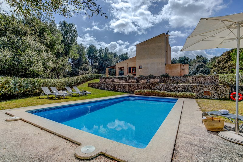 Catalunya Casas: Fantastic Villa Es Mella in Mallorca, only 2km to Artà!, vacation rental in Son Servera