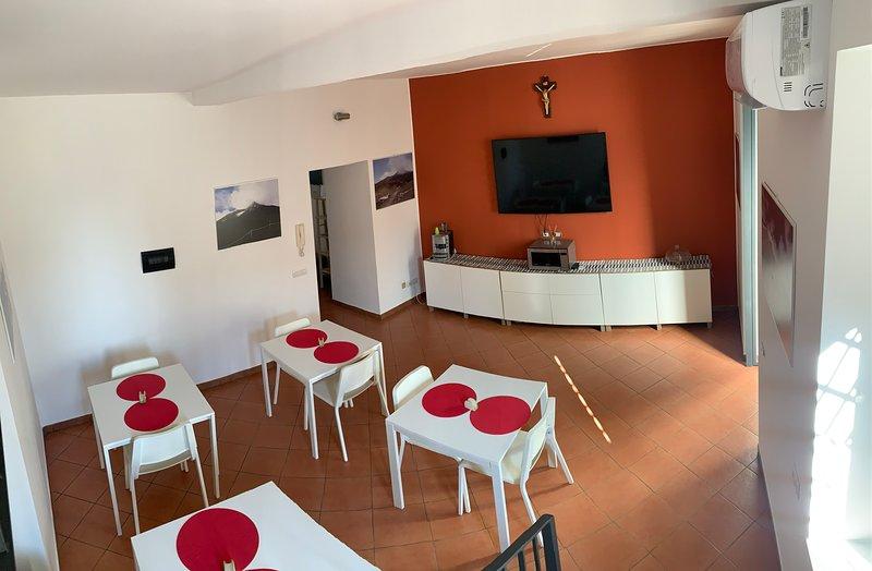 Rooms Teatro Greco, holiday rental in Raddusa
