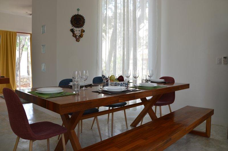 New big house,  4bd, 4 bth, roofgarden, grill, jacuzzi, pools, alquiler de vacaciones en Puerto Morelos