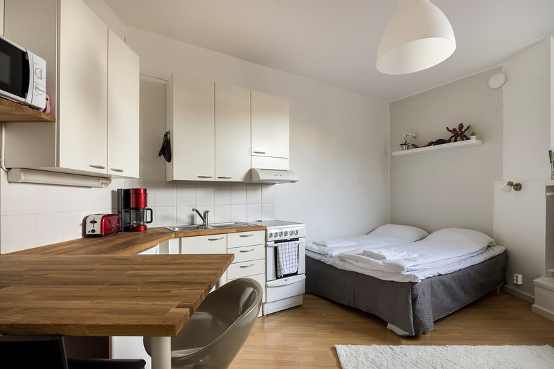 WeHost ✅ Compact Apartment In The ❤️ Kallio, holiday rental in Vierumaki