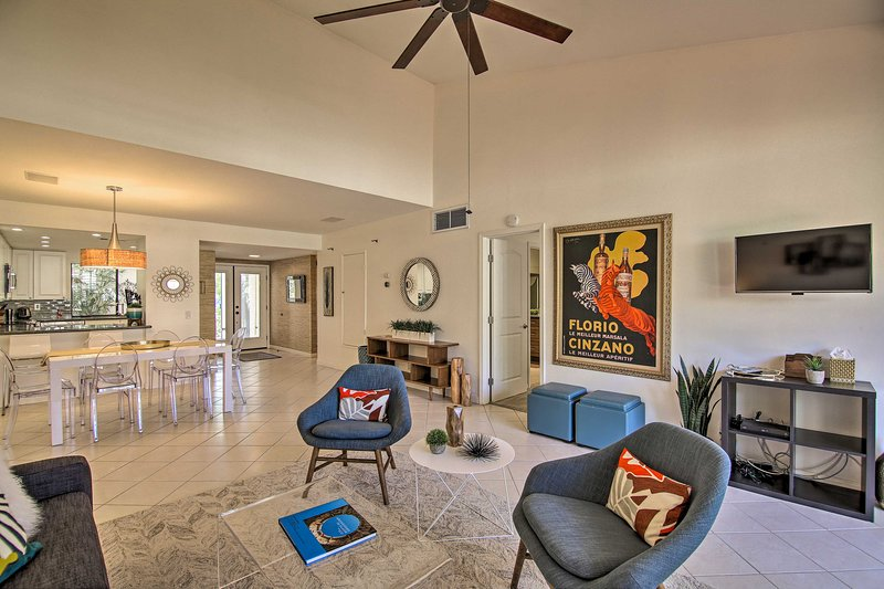 NEW! Modern Palm Springs Townhome - Steps to Pool!, holiday rental in Palm Springs
