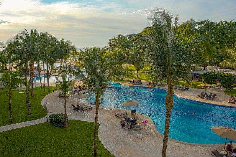 Premium Beachfront 1 Bedroom Condo at Villa Magna - Dreams resort Nuevo Vallarta, vacation rental in Nuevo Vallarta