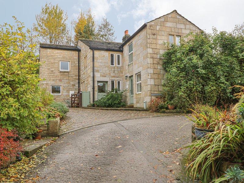 SALTER RAKE GATE COTTAGE, pet-friendly cottage, woodburning stove, WiFi, patio, location de vacances à Todmorden