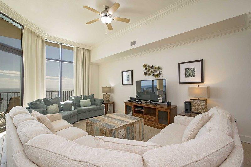 Penthouse Floor ~ Rates Dropped ~ Lazy River ~ Sleeps 12 ~ Phoenix West 3103, vacation rental in Orange Beach