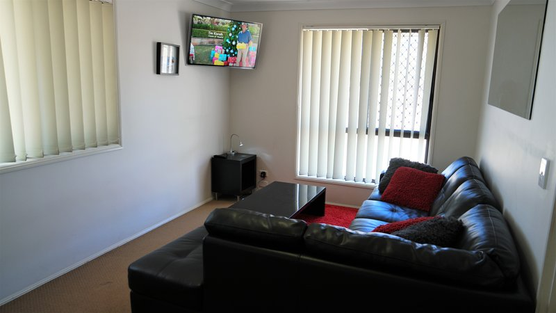 Family Holiday House Central to Attractions & Shops, alquiler vacacional en Helensvale