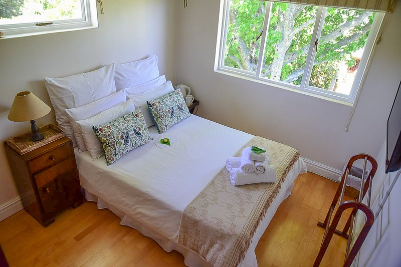 Standard Double Room - On Pinewood Guest House, location de vacances à Newlands