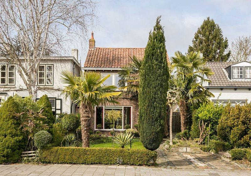 Beautiful house with garden & Wifi, location de vacances à Goes