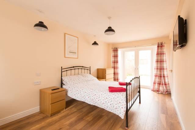 Dormitorio 6 - Planta baja con baño