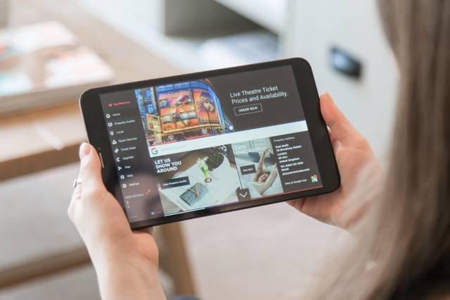 Toutes nos propriétés sont équipées d'une tablette fournissant des informations locales, des guides de la maison et un accès Internet haut débit.