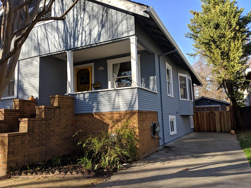 Charming Curtis Park 1 Bed/1 Bath Private Unit, holiday rental in Sacramento