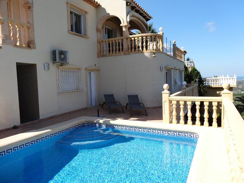 Luxury villa, La sella, Private pool, air con, wifi, sleeps 4 to 6, fabulous vie, vacation rental in Denia
