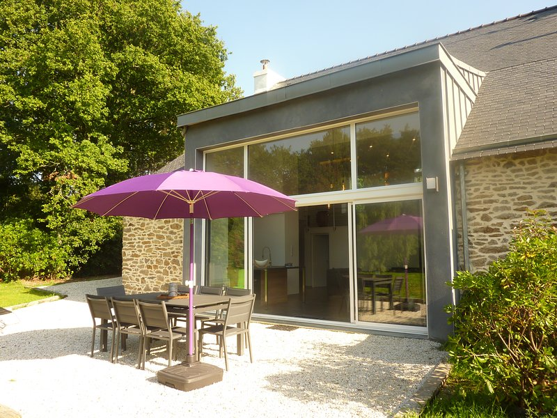 Spacieuse villa d'architecte, ultra confortable et moderne, vacation rental in Quimperle