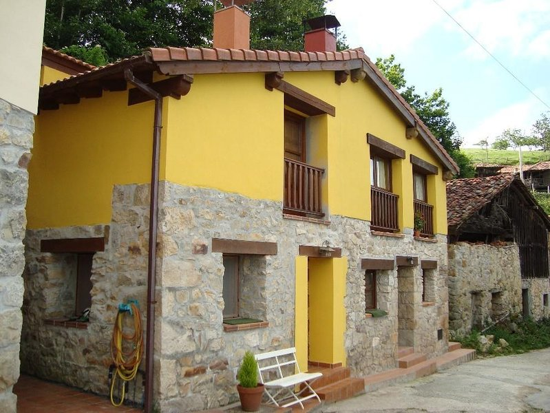 Nice apt with mountain view & Wifi, vacation rental in Corao