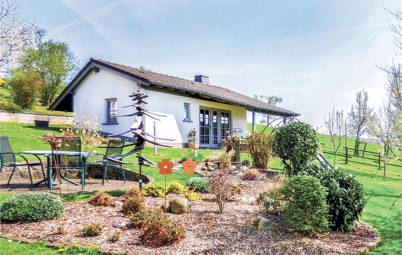 Awesome home in Körperich-Obersgegen with Sauna, WiFi and 0 Bedrooms (DEI235), holiday rental in Vianden