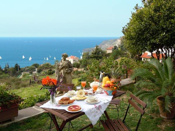 Beautiful studio with sea view, vacation rental in Ospedaletti