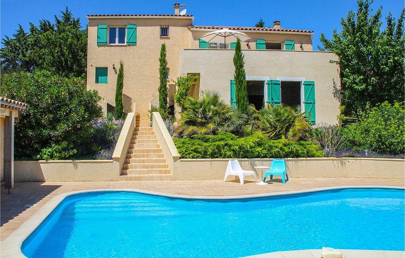 Amazing home in Caunes Minervois with Outdoor swimming pool and 4 Bedrooms (FLA2, location de vacances à Caunes-Minervois