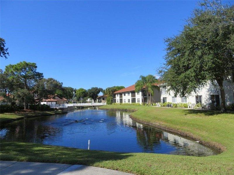 4457 lake front shorewalk close to IMG and beach unit 108, vacation rental in Bradenton