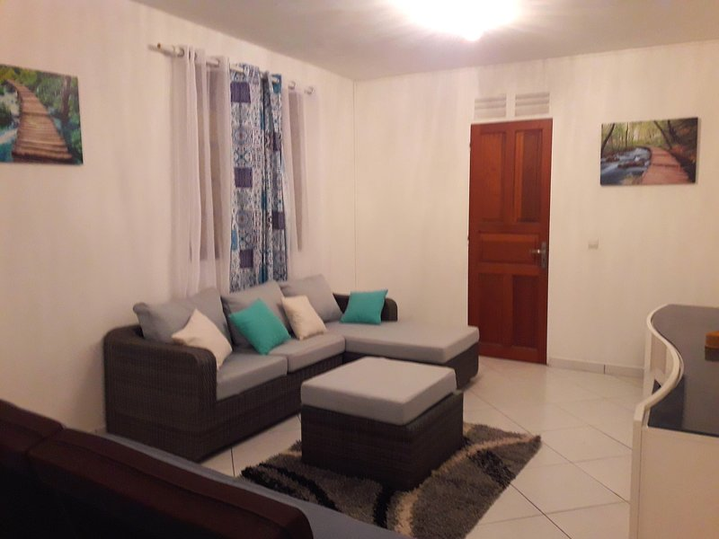 Spacious house with garden & Wifi, vacation rental in Rifflet