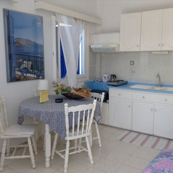 Meltemia Studio Samos N6 Pefkos, holiday rental in Votsalakia