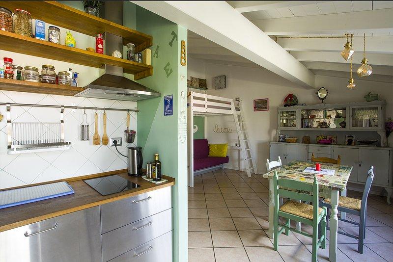 Mansardina Metropolitana delle Lettere, vacation rental in Botticino