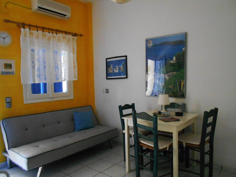 Meltemia Studio Samos N2 Alyki, holiday rental in Votsalakia