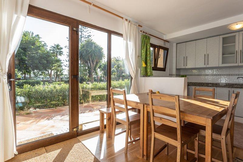 Alquiler  apartamento con piscina en Rosa Nautica., alquiler de vacaciones en La Herradura