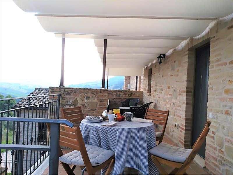 Agriturismo IL VECCHIO ACERO_Orchidea, holiday rental in Montedinove