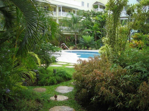 Beautiful Barbados Apartment, vacation rental in Hastings