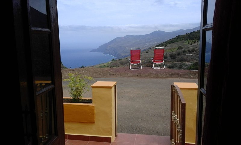 SUNRISE/ALMANECER Country Cottage, wifi, netflix, fantastic view, vacation rental in Barlovento