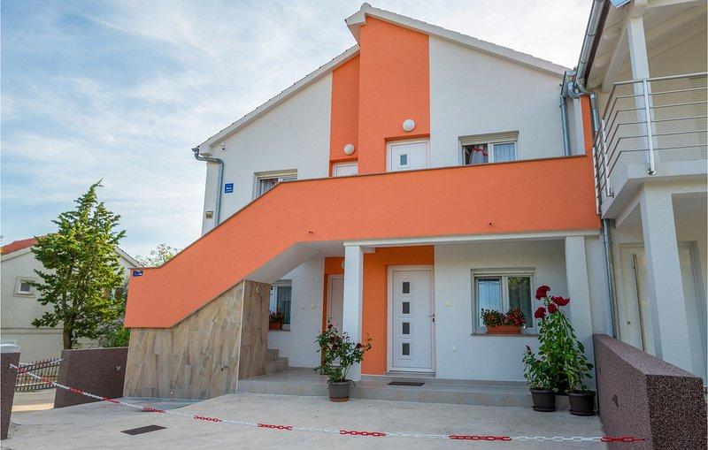 Stunning apartment in Krusevo with 1 Bedrooms (CDA701), casa vacanza a Krusevo