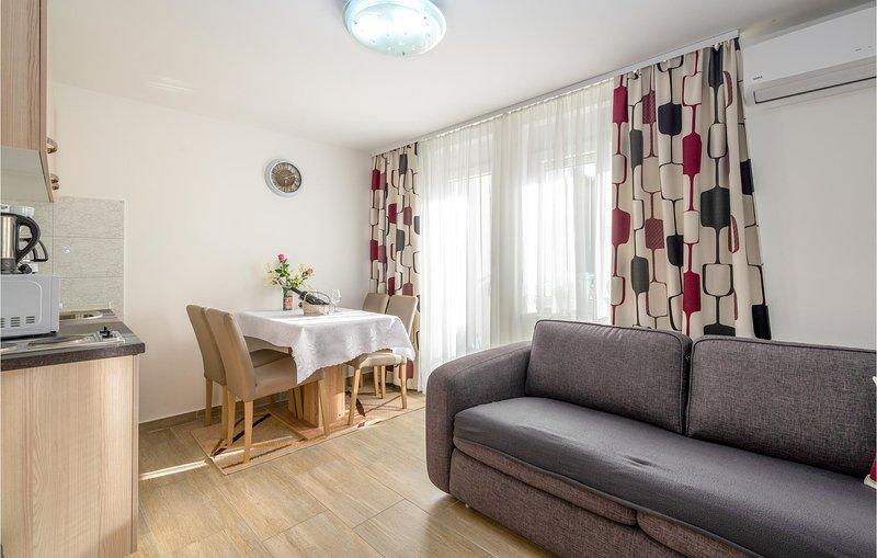 Amazing apartment in Krusevo with 1 Bedrooms (CDA589), casa vacanza a Krusevo